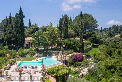 Swimming Pool Towels | Royal Blue Villas